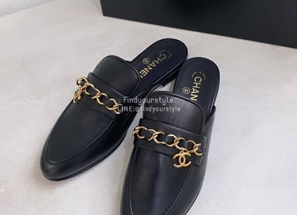 Chanel Leather Mules With Chain 皮革鏈條半拖