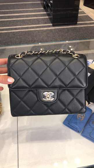 Chanel April 包包/皮件歐洲現場連線中✈️下單截圖詢問報價👈🏻趕緊詢問❤️