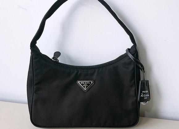 Prada re-edition 2000 nylon mini hobo bag 黑色尼龍包