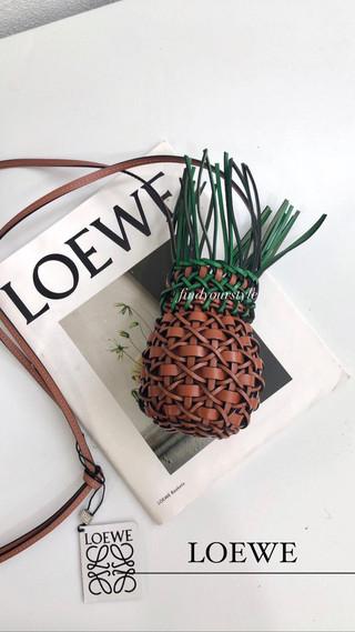 LOEWE 鳳梨包~充滿夏日氣息的時尚單品