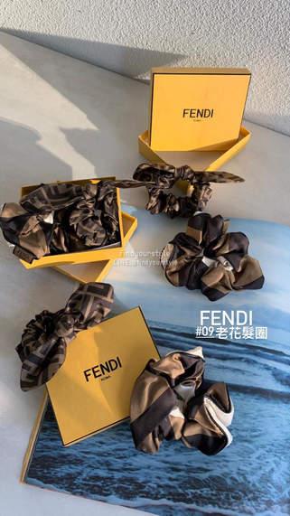 第一眼就好喜歡 Fendi老花系列頭飾 🔥