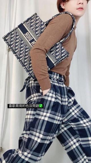 Dior tote 完美小號尺寸✨缺貨款現貨優惠不用九萬是我就先搶了❤️❤️