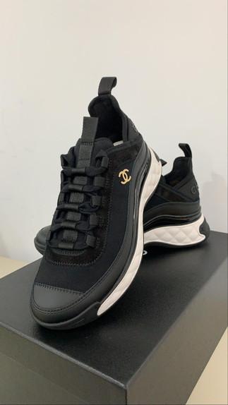 #時尚百搭首選運動鞋也可以時尚又好看❤️拉長比例的秘密武器還不趕緊入手一雙🤩即將有現貨抵台🥰