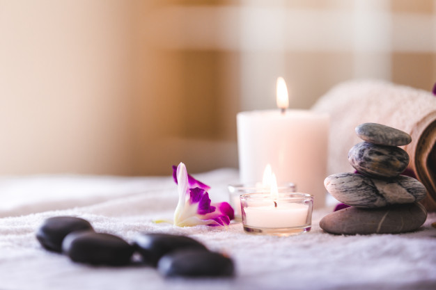 spa-composition-setting-with-candle-room