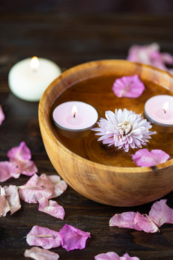 items-aromatherapy-massage-relax-spa-the