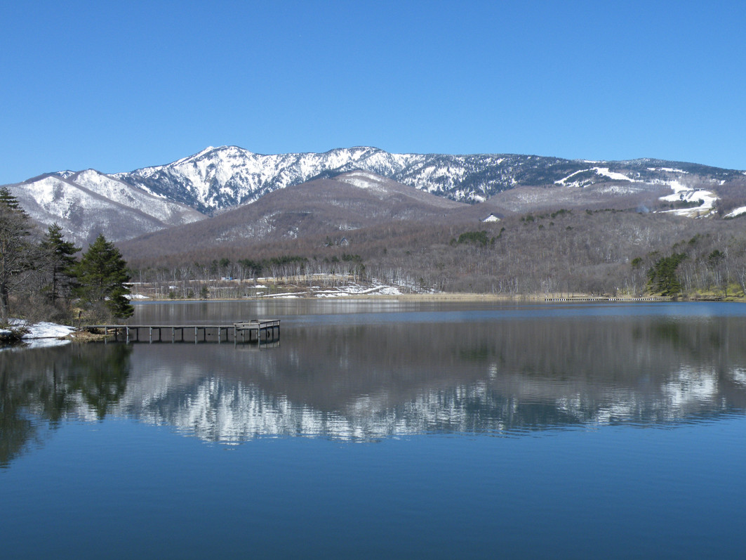 四阿山とバラギ湖
