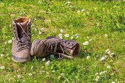 hiking-1312227_1920.jpg