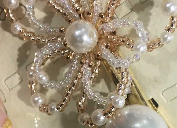 Gold and White Pearl Hair pin