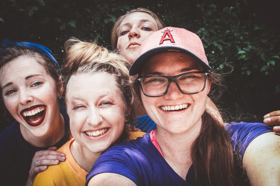happy-women-group-selfie-min.jpg