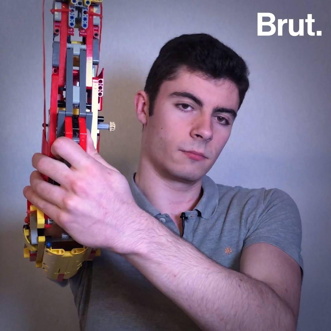 David Aguilar a créé sa propre prothèse en Lego