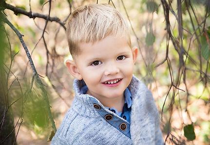 portrétní focení dítěte venku na podzim