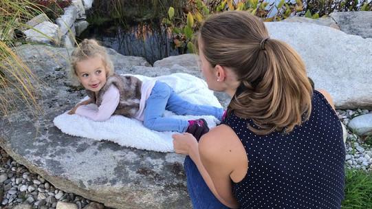 Lifestylové rodinné focení doma a na zahradě s MONA photography