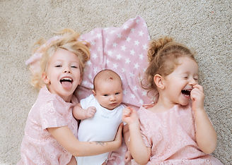 3 sestry sestřičky, lifestylové focení dětí doma