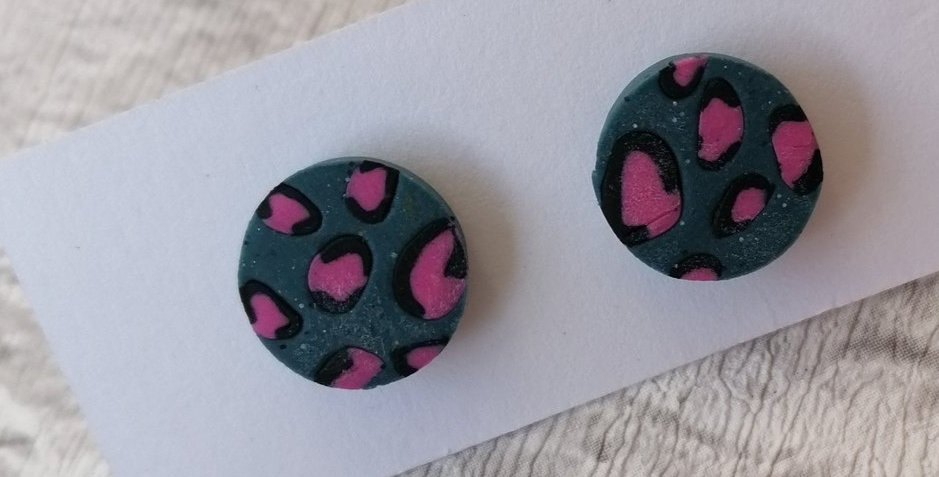 Turquoise and pink leopard prints - studs