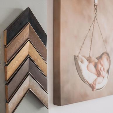 dřevěné rámovací profily Nielsen a malířské plátno