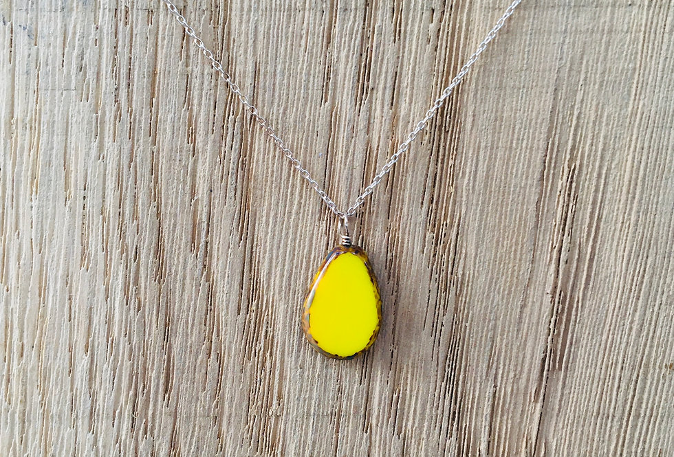 Picasso Stone Necklace - Yellow