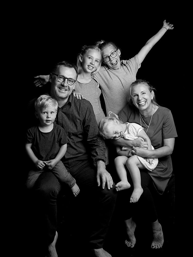 rodinne foceni v atelieru: prirozene fotky s detmi