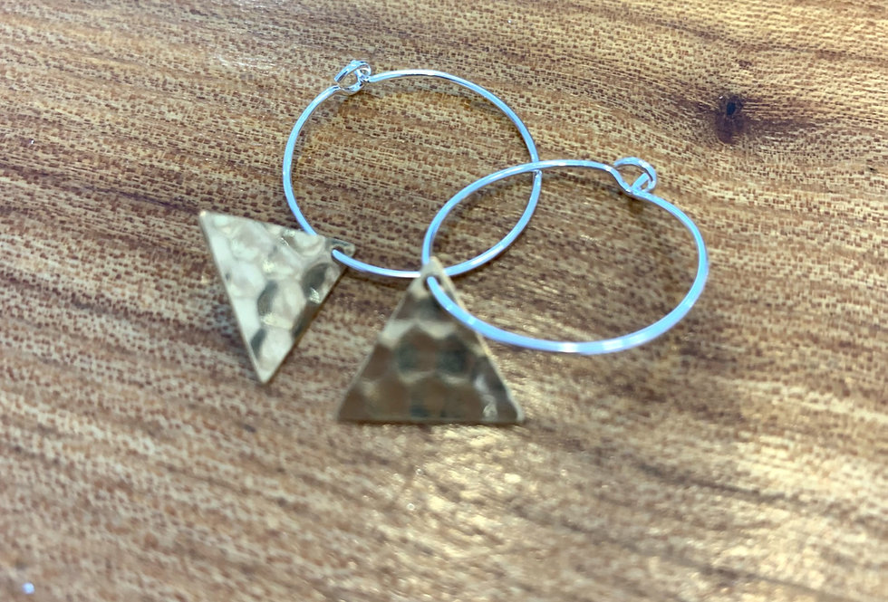 Small brass hoops - triangle