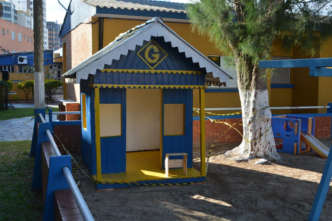 Playground (2) (Medium)