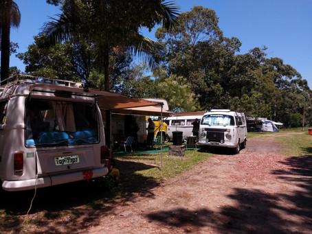 Camping da Custódia sedia encontro de apaixonados por Kombis