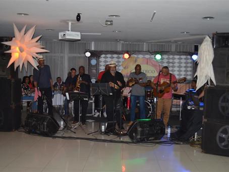 Boteco do Geraldo conquista o público e ganha status de roda de samba