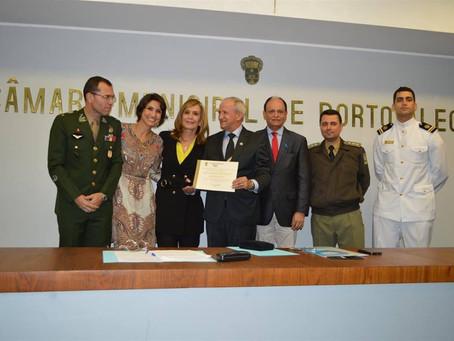 Câmara de Vereadores de Porto Alegre outorga ao GSEGS a Comenda Porto do Sol