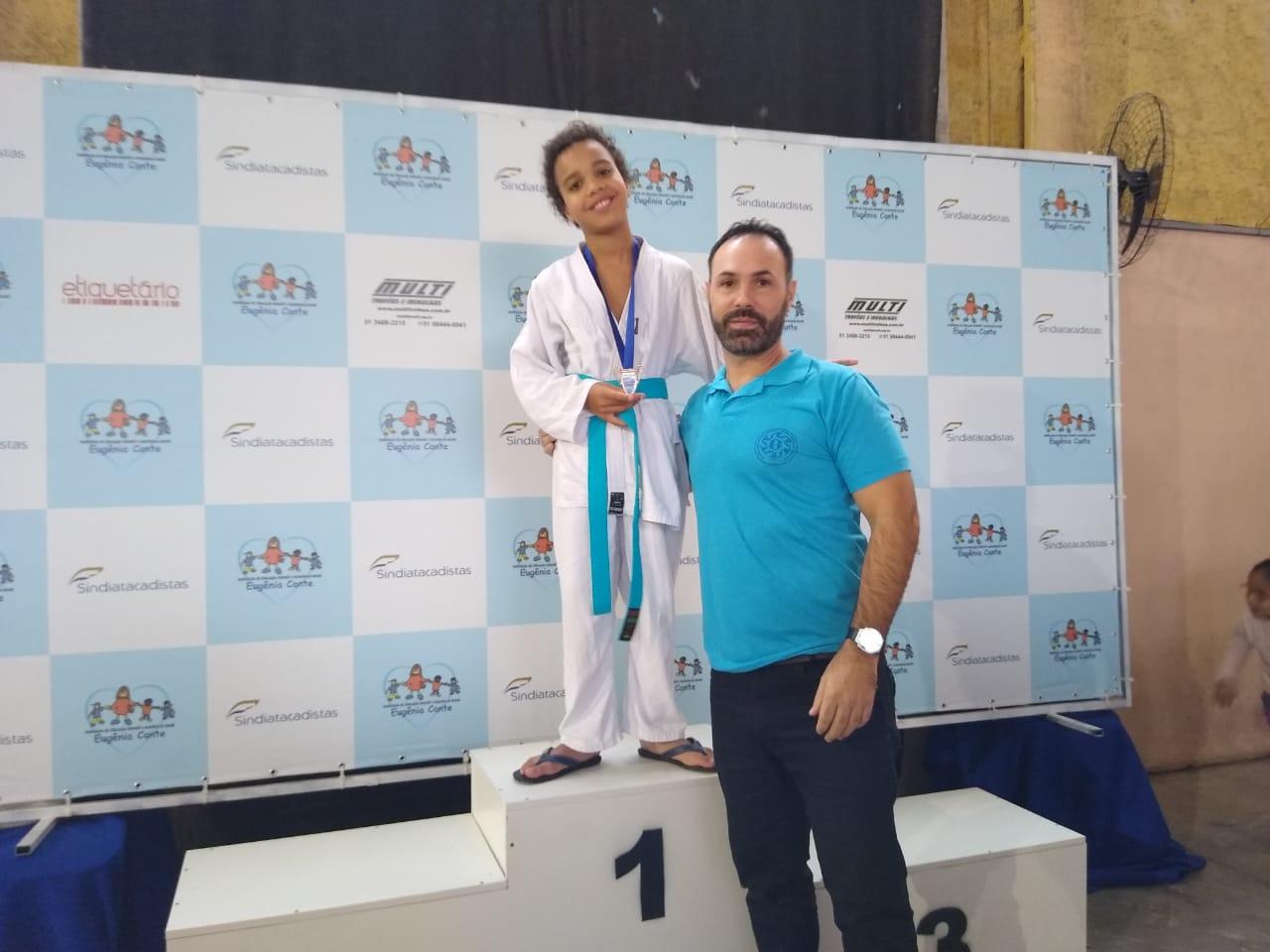 Arthur Farikoski medalha de bronze 01