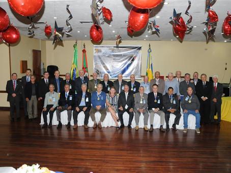 Associados são reconhecidos por 50 anos de dedicação ao clube