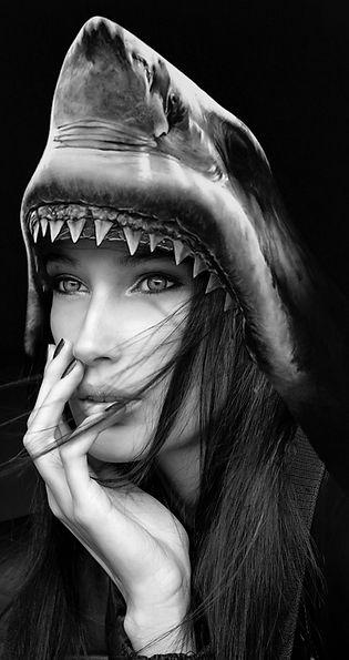 SaveTime Ocean, Sharkgirl