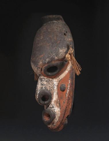 War canoe mask, Biwat