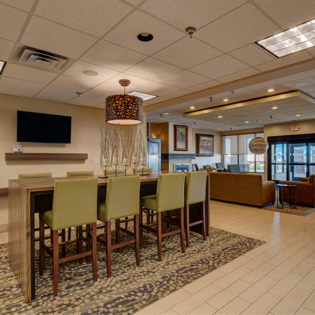 Spearfish-Holiday-Inn-Lobby-Area-164-155