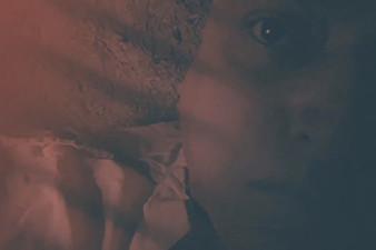 Vídeo inédito produzido à Mostra discute o limite entre presenciar e sentir a solidão