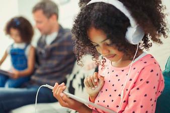 Startup de entretenimento lança projeto para retorno às aulas presenciais