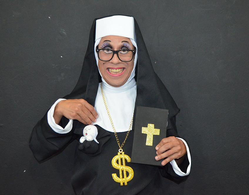 Irmã Agnes (Roberto Isler).
