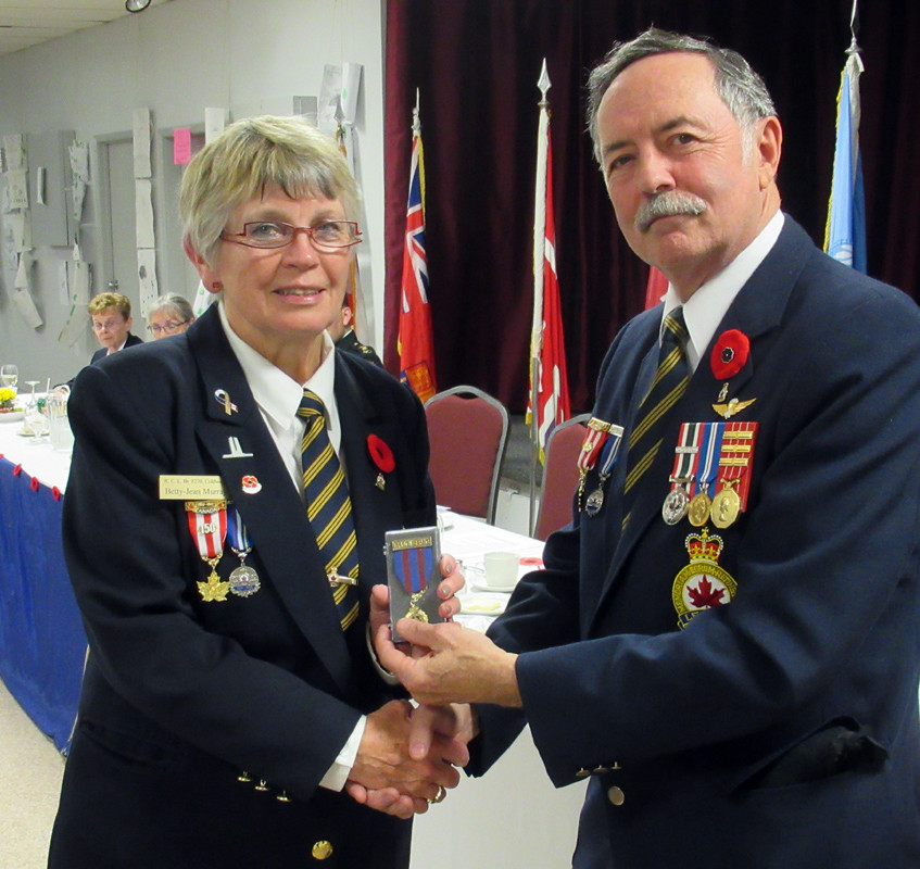 rans dinner - BJ Murray Service Medal 0781