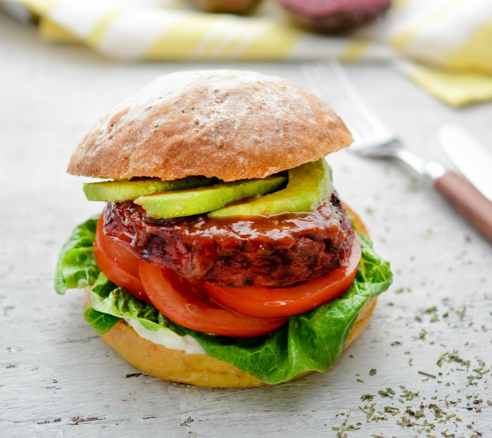 Healthy food delivery from Cedele - Beetroot avocado burger