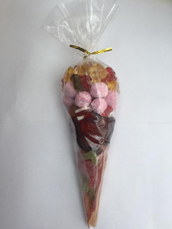Sweet Cone 14 - Sweets and Treats - www.bigbouncybriers.co