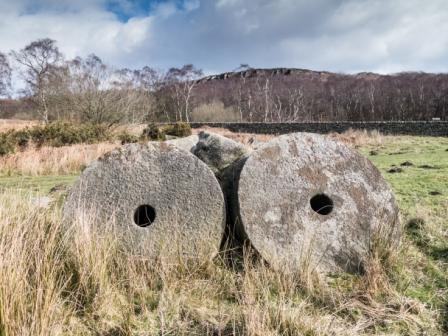 Millstones below Baslow Edge