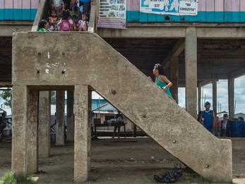 Escalera sumergible.jpg