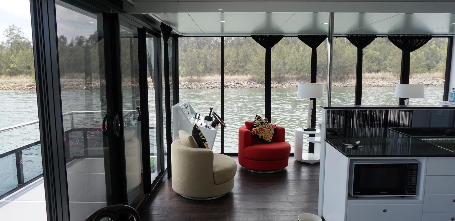 Luxury Houseboat Queensland