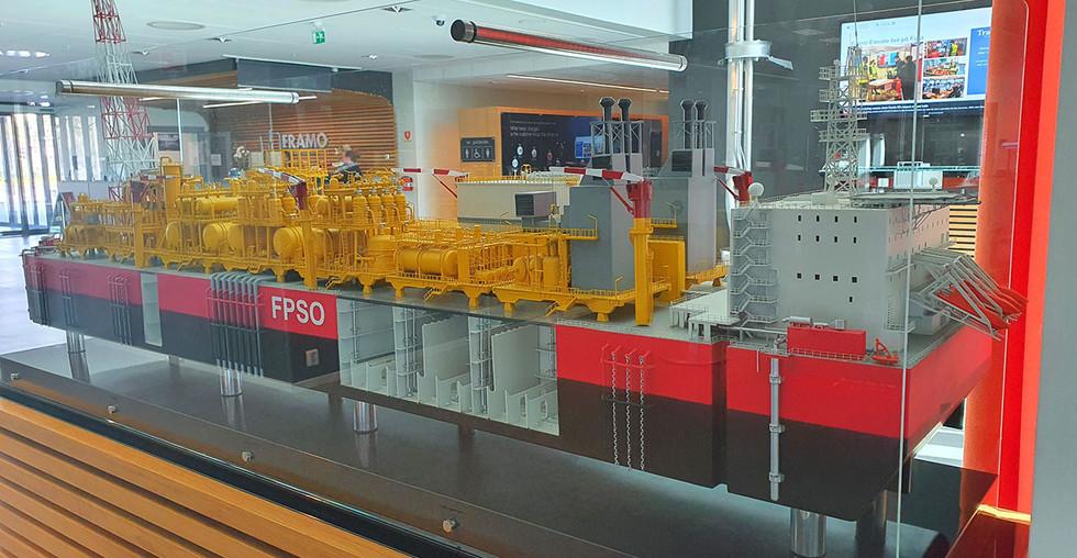 Fysisk modell av FPSO - 2