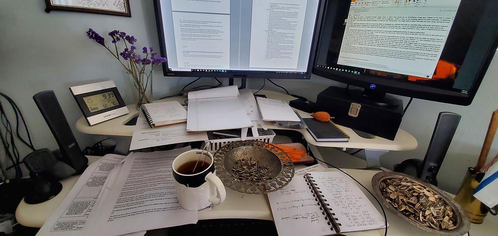 Arnon's Messy Desk