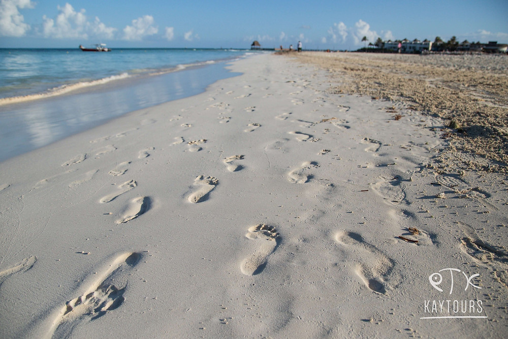 Foot prints in the sand of the North Beach of Isla Mujeres