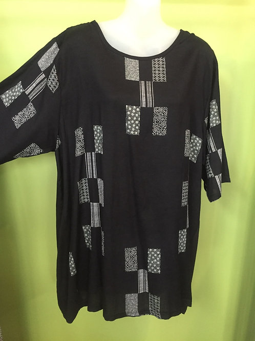 T shirt long black with rectangle