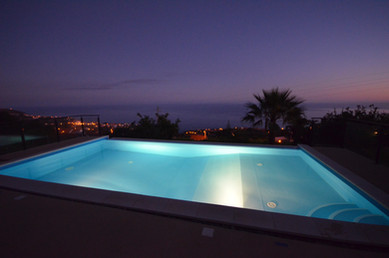 Pool bei Nacht/ Pool at night