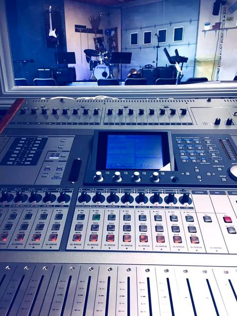 Recording Studeo_edited.jpg