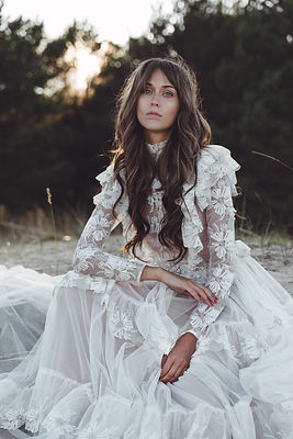 Vintage Inspired Lace Wedding Gown Ermen