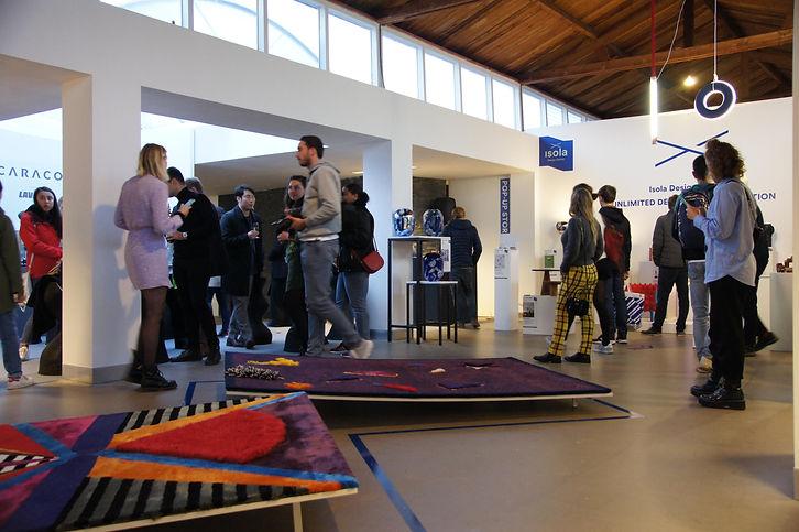 DDW19-blik in expo Isola Design District-foto Hetty de Groot.jpg