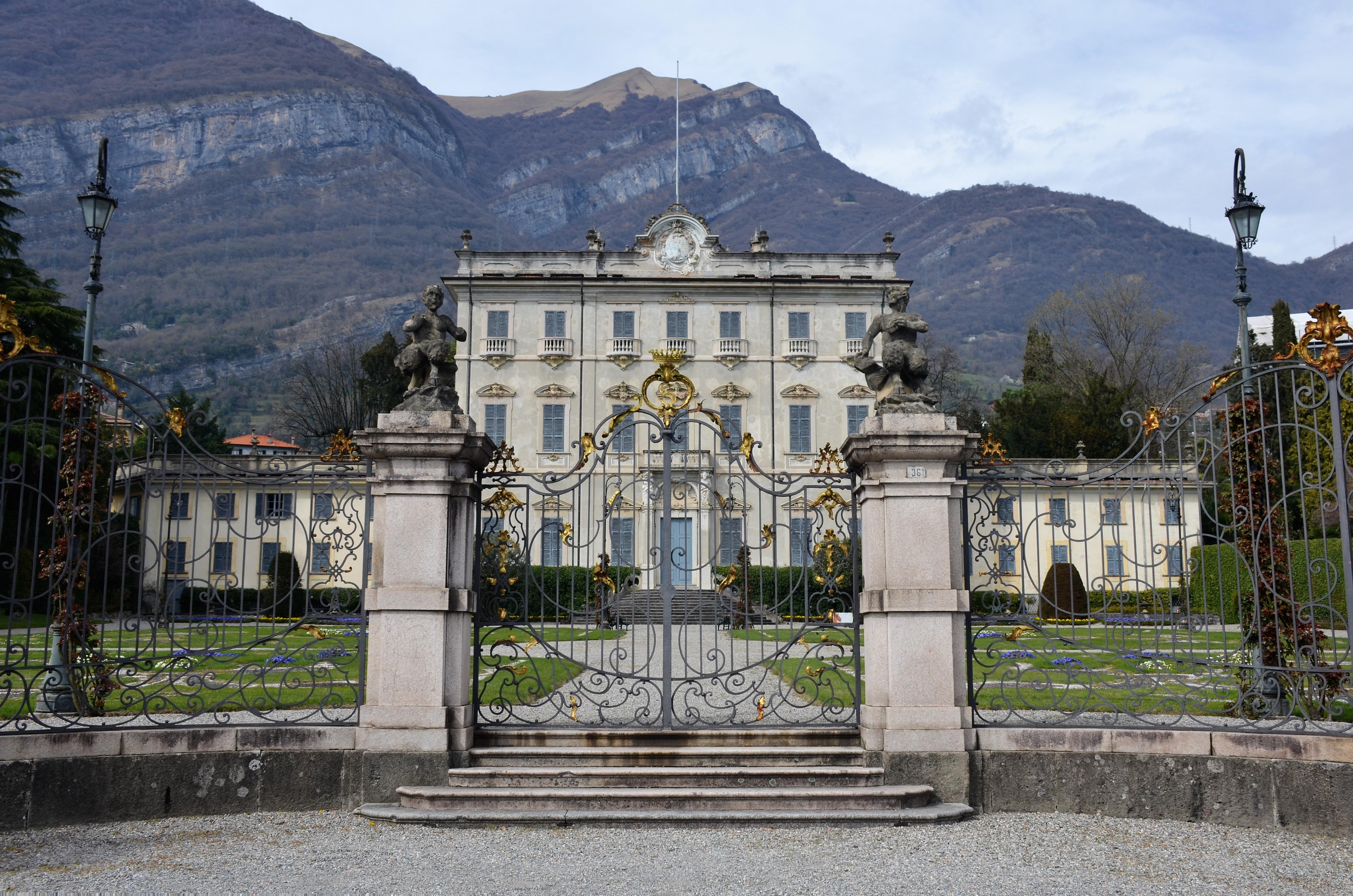 Villa sola Calbiati
