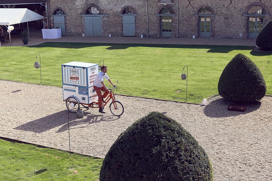 arrivée de Dimitri et de la Photocyclette lors d'un mariage